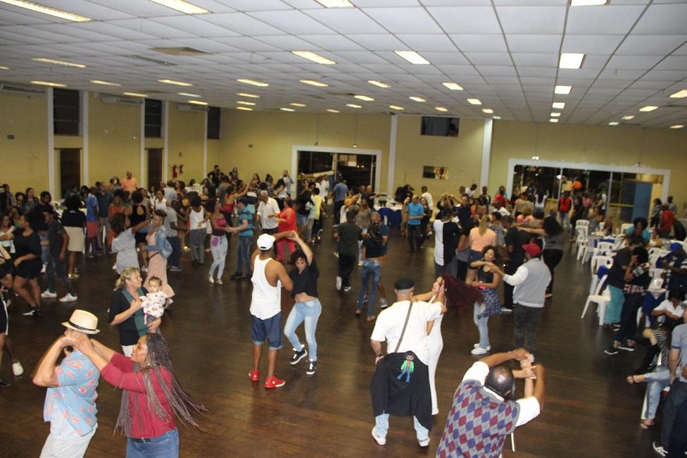 Oitava edição do Samba Rock Fest agitou o público no Cemur