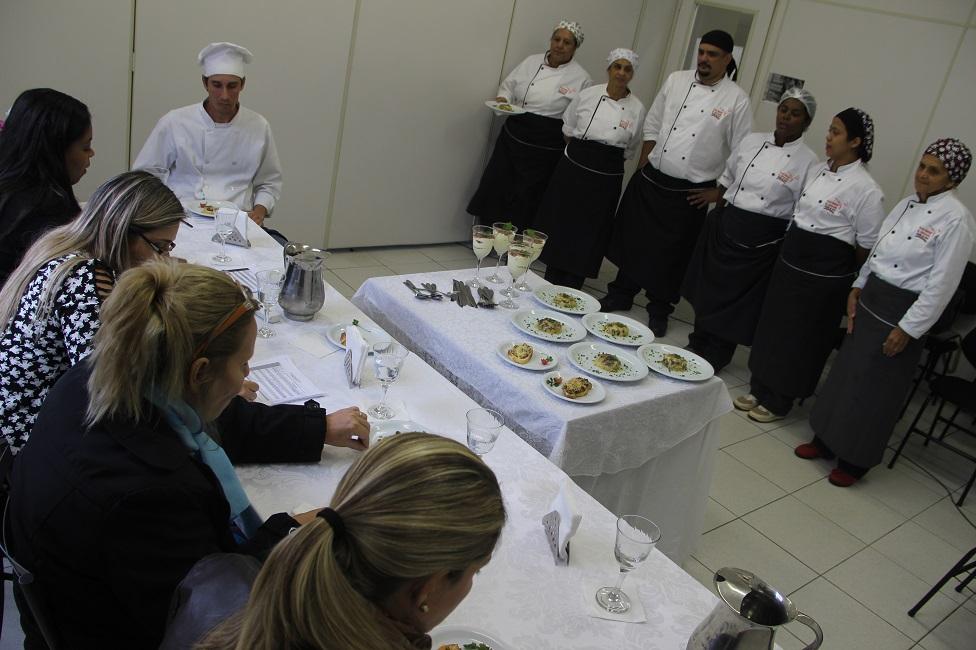 Desafios culinários mostram aprendizado dos alunos da Gastronomia