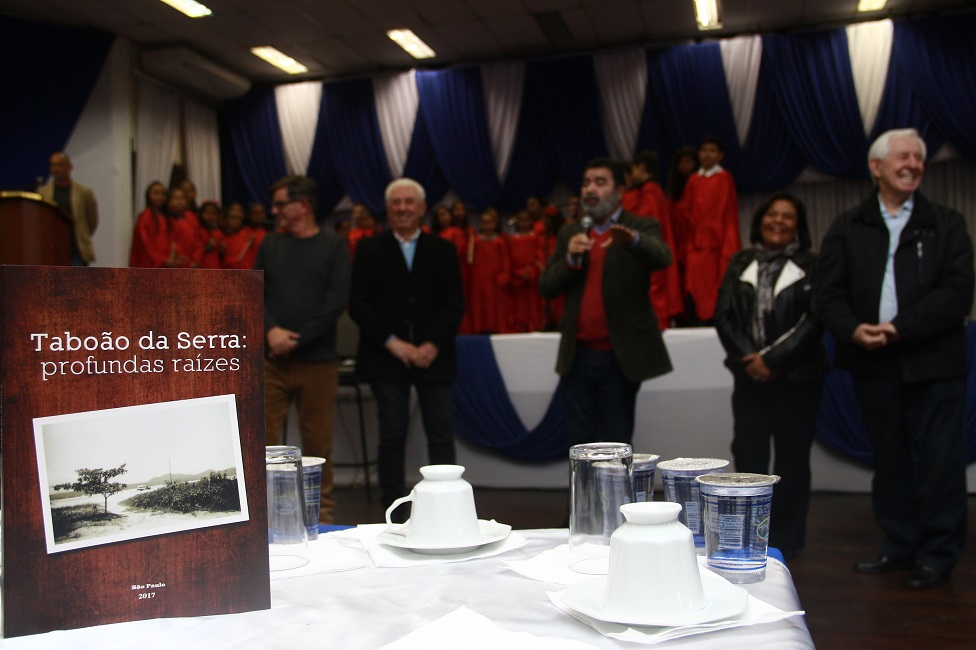 Prefeitura lança segundo livro sobre a história de Taboão da Serra