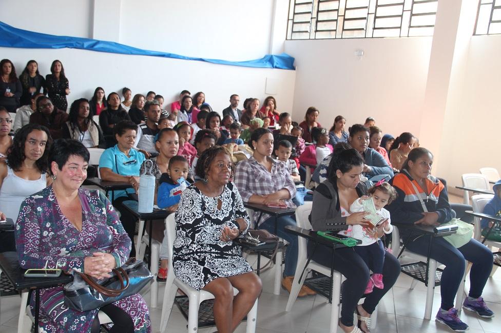 """Programa """"Criança Feliz"""" é lançado em Taboão da Serra"""
