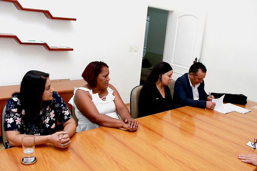 Prefeitura firma parceria para serviço de acolhimento provisório para pessoas em situação de rua