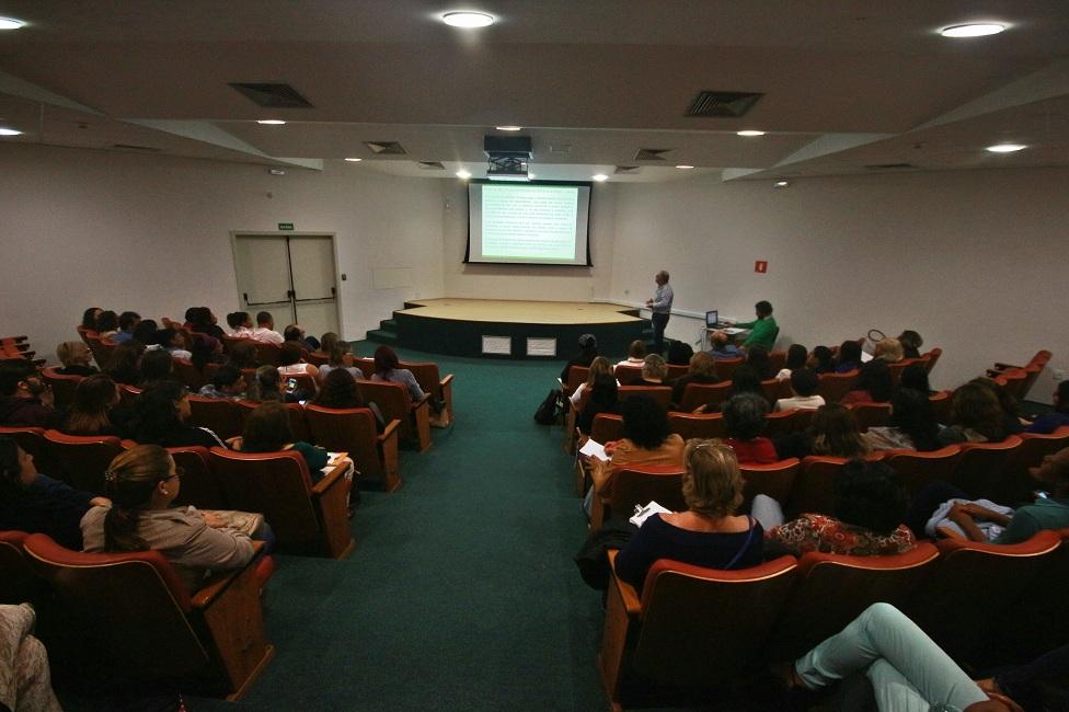Servidores da Assistência apresentam pesquisas em III Simpósio Interno