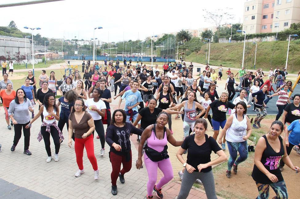 Aulão de Zumba e Ritmos no sábado, 7, celebrará o Dia Internacional da Mulher