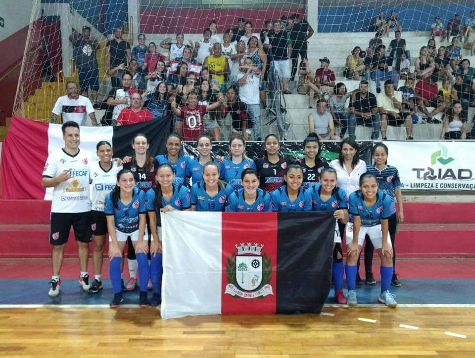 Secretário de Esportes recebe vice-campeãs da Copa do Brasil de Futsal Feminino