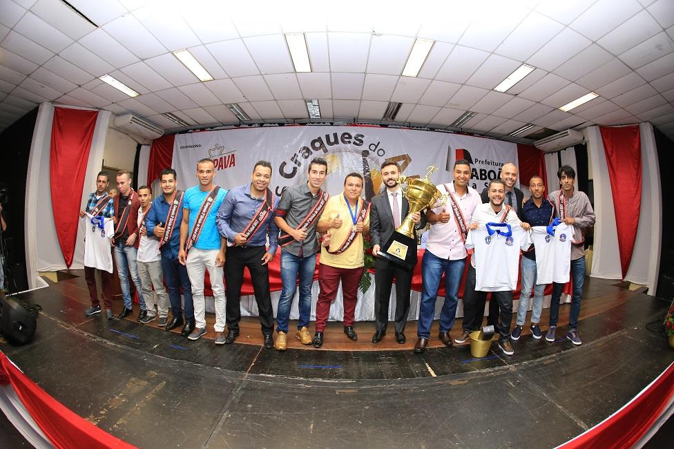 Craques do Ano 2017 premiou destaques do futebol de campo e futsal taboanenses