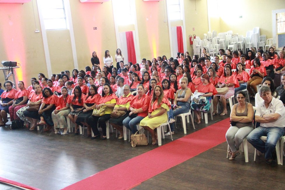 Programa Lado a Lado forma 1300 alunos