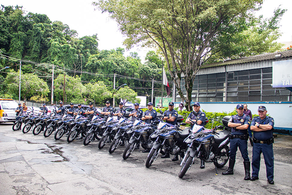 Guarda Civil Municipal recebe 12 novas motocicletas