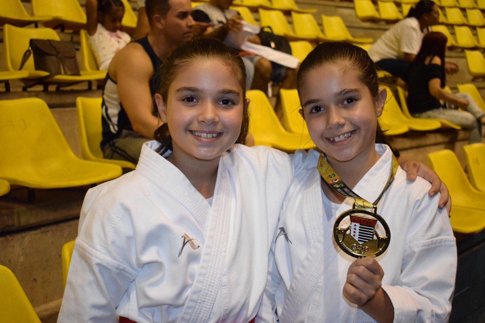 Gêmeas do Karatê conquistam medalhas de ouro e prata no Campeonato Paulista