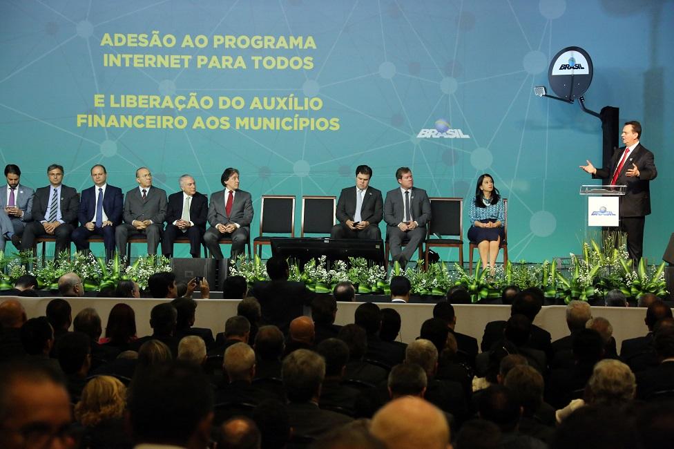 """Taboão da Serra adere ao programa """"Internet para Todos"""""""