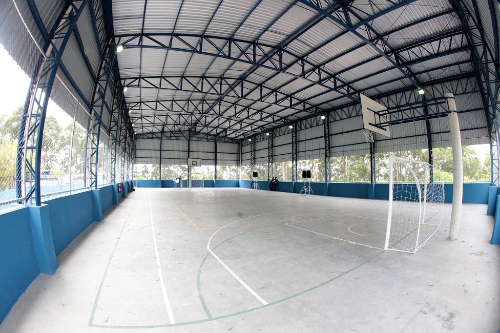 Quadra poliesportiva é inaugurada no Jardim Três Marias