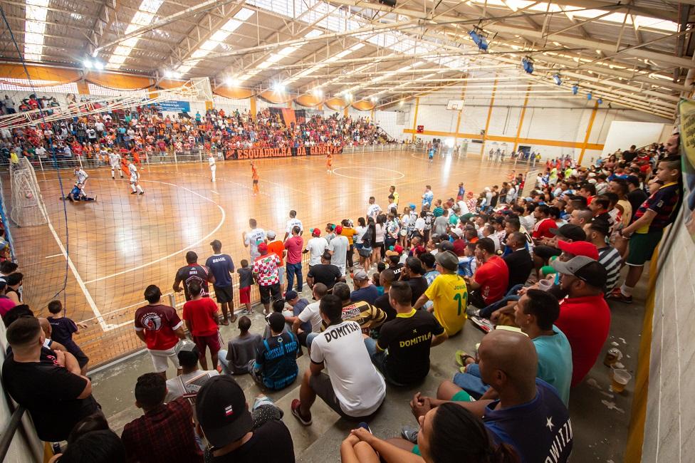 Esquadrilha da Garrafa é bicampeão do Campeonato Municipal da primeira divisão de futsal