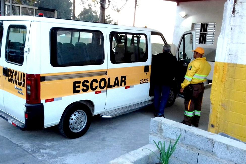 Prefeitura conclui vistoria de 782 táxis e vans do transporte escolar